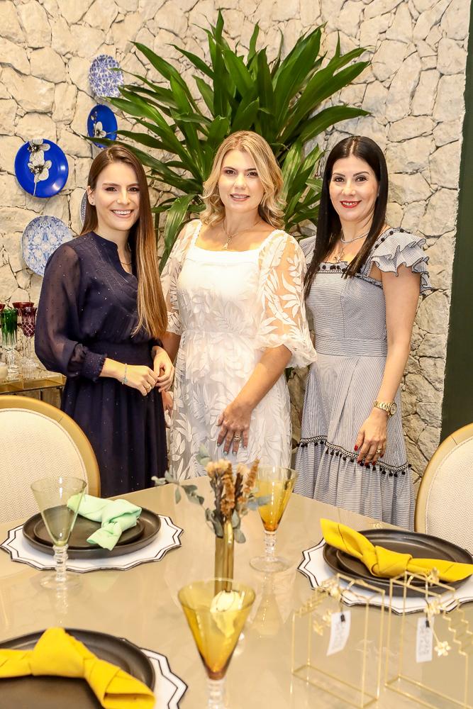 Lara Linhares, Lili Meira E Lia Linhares (1)