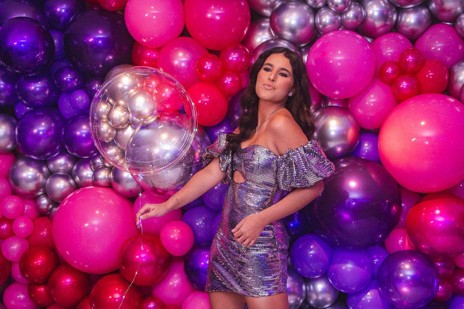 Lara Sousa brilha em sua festa de 15 anos com dress exclusivo da criado pela INTERNI
