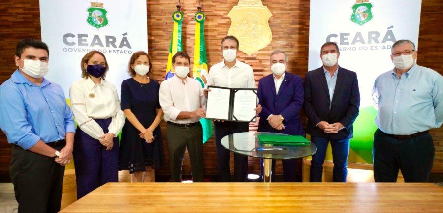 Camilo Santana assina projeto que vai gerar 20 mil novos empregos em parceria com os setores do comércio e serviços