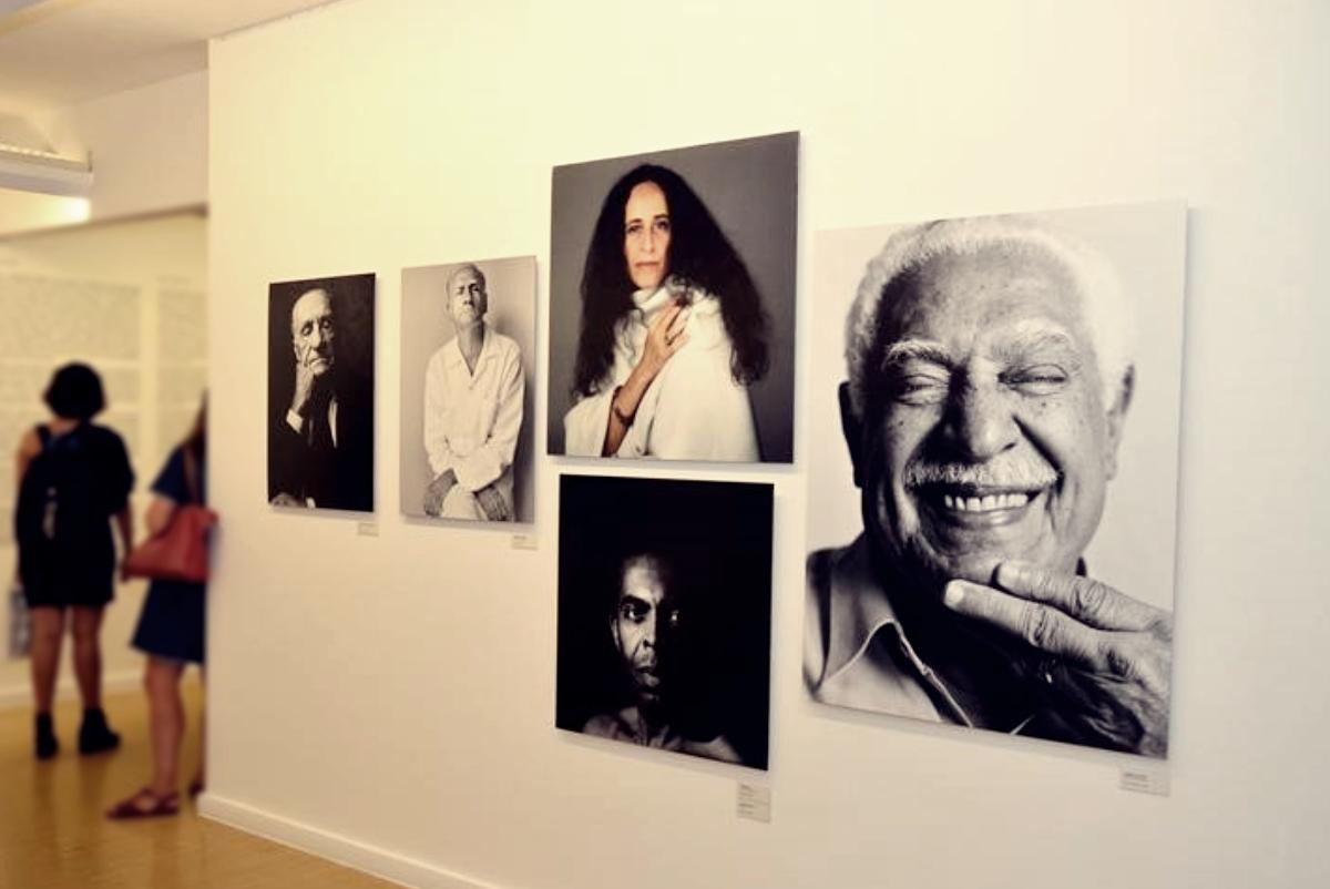 Museu da Fotografia Fortaleza reabre a exposição Retratos, de Bob Wolfenson