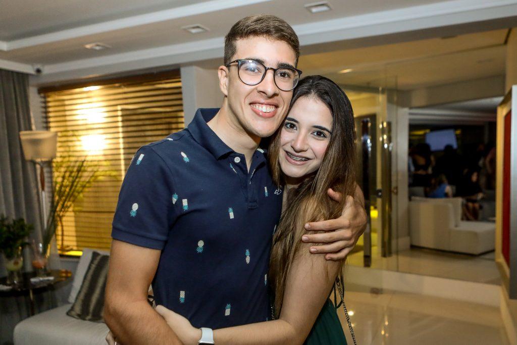 Pedro Carvalho E Gabriela Ferrer