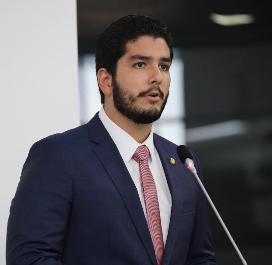 Pedro França dará entrada em projeto que prevê atendimento prioritário em bancos e órgãos públicos para a advocacia