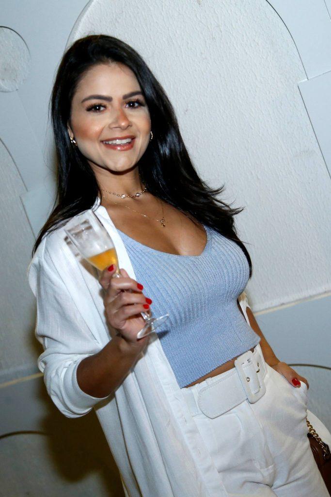 Renata Rocha 2