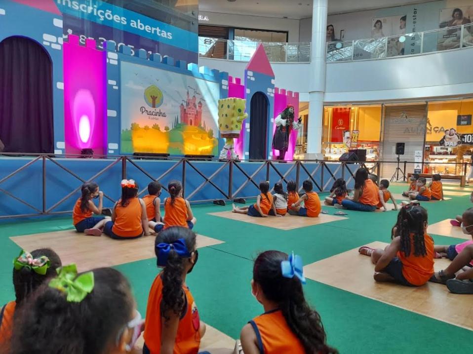 Instituto JCPM leva crianças de instituições sociais para curtir as férias nos shoppings RioMar