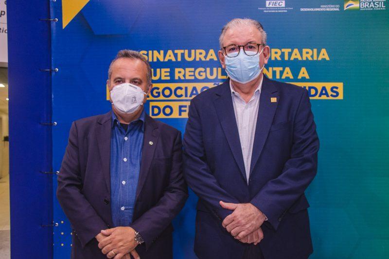 Momento histórico - Ricardo Cavalcante e Rogério Marinho assinam portaria que regulamenta a renegociação de dívidas do Finor e Finam