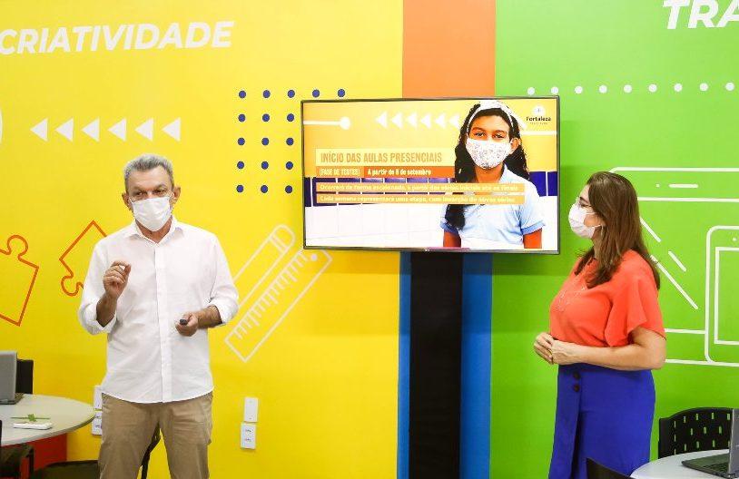 José Sarto anuncia retomada das aulas presenciais na rede municipal de ensino