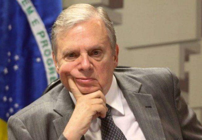 Tasso apoia voto de repúdio do Senado contra DJ que agrediu a ex-mulher