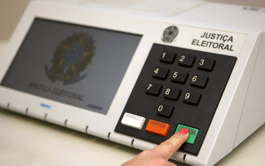 TRE-CE retoma o empréstimo de urnas eletrônicas para eleições em entidades