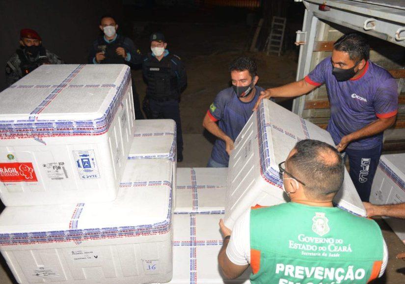 Governo do Ceará vai receber quase meio milhão de doses de vacinas esta semana
