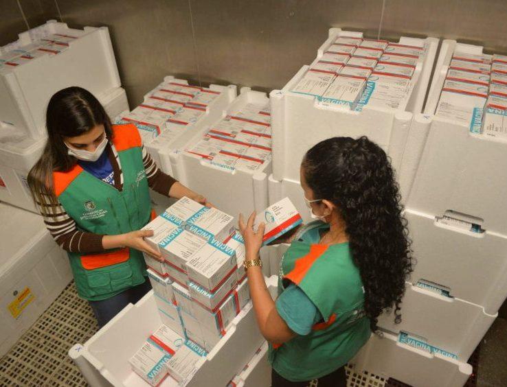 Brasil recebe mais de 3 milhões de doses de vacinas contra a Covid em 24 horas