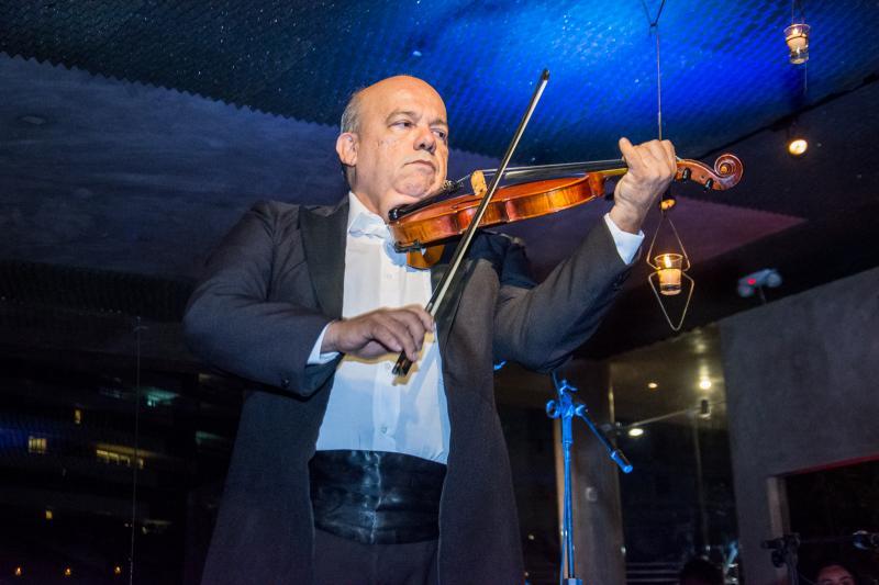 Paris 6, no RioMar Fortaleza, oferece jantar ao som de música clássica. Vem saber!