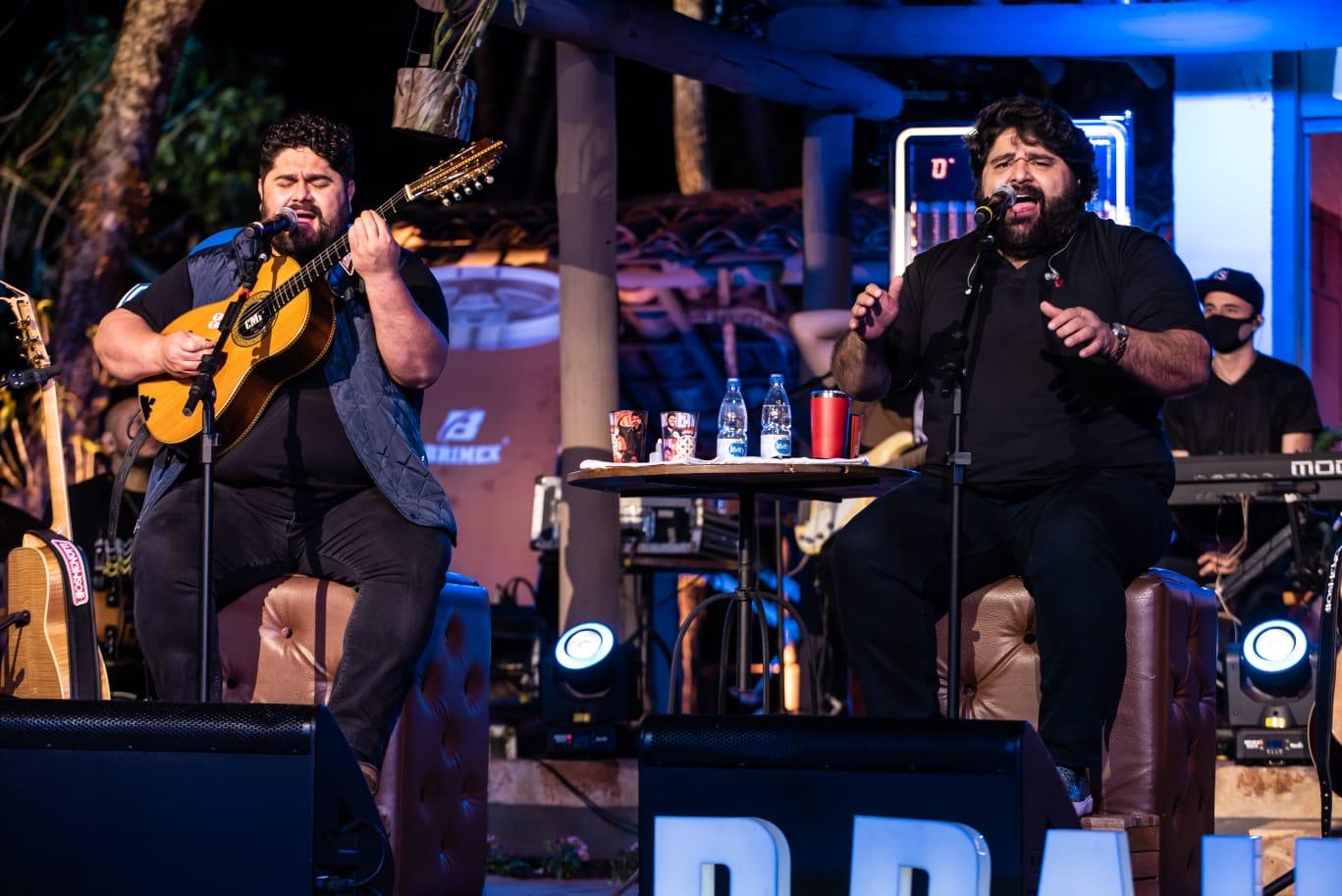 César Menotti & Fabiano abrem temporada de live da festa Peão de Barreto, em SP