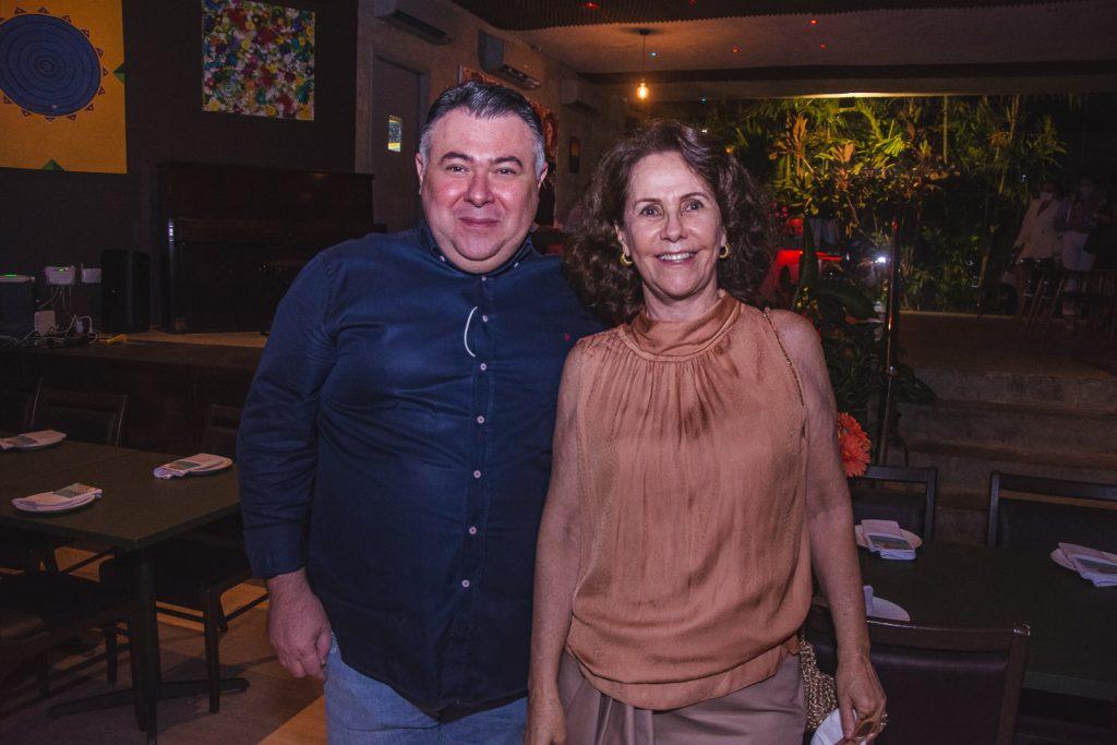 Andre Monte E Ana Elisa Perdigao