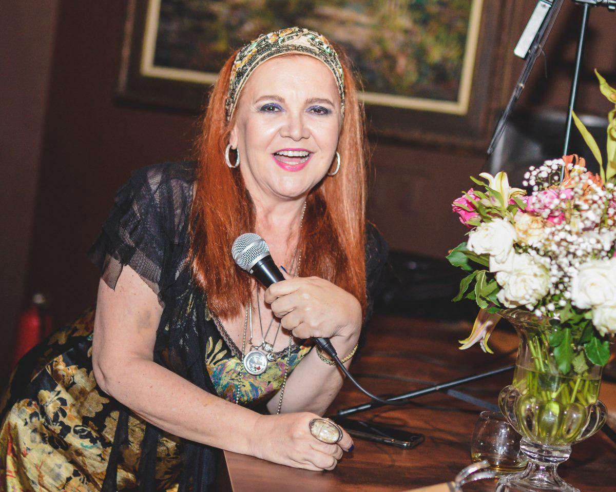 Cláudia Rebouças recebe Amaro Penna para dueto em Guaramiranga