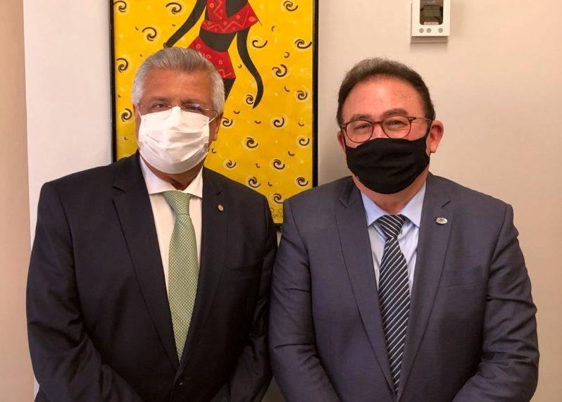 Manoel Linhares discute demandas da hotelaria brasileira com deputado Bacelar