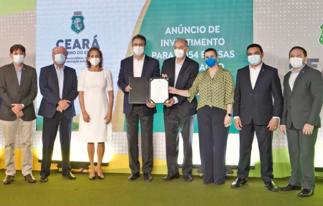 Camilo anuncia investimento de R$ 92 mi em 2.054 bolsas de formação acadêmica