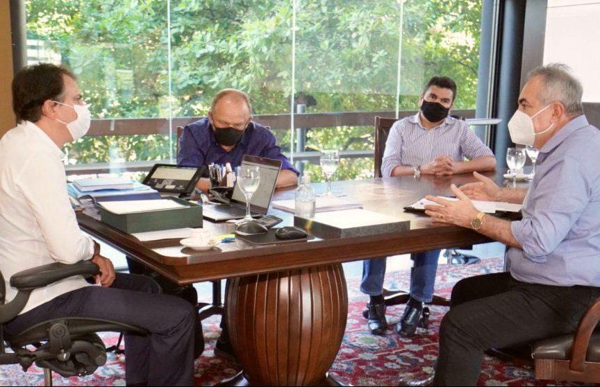Camilo debate geração de empregos e Natal de Luz com o presidente da CDL