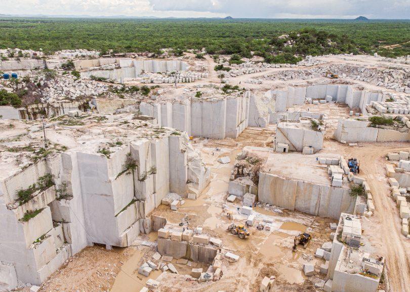 Ceará bate recorde na exportação de rochas ornamentais com alta de 52%