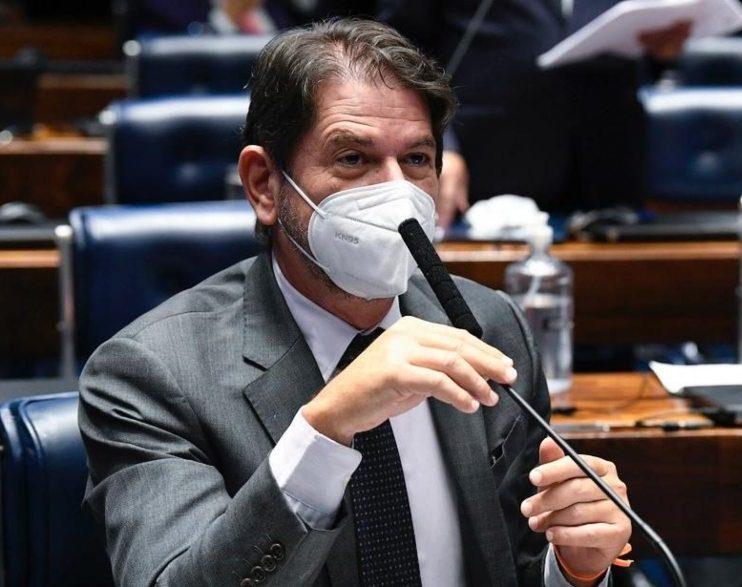 Cid Gomes critica MP que possibilita a contratação de consignados com auxílios
