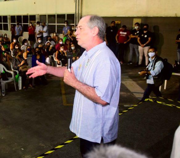 Ciro Gomes debate ações de retomada econômica para o Maciço de Baturité