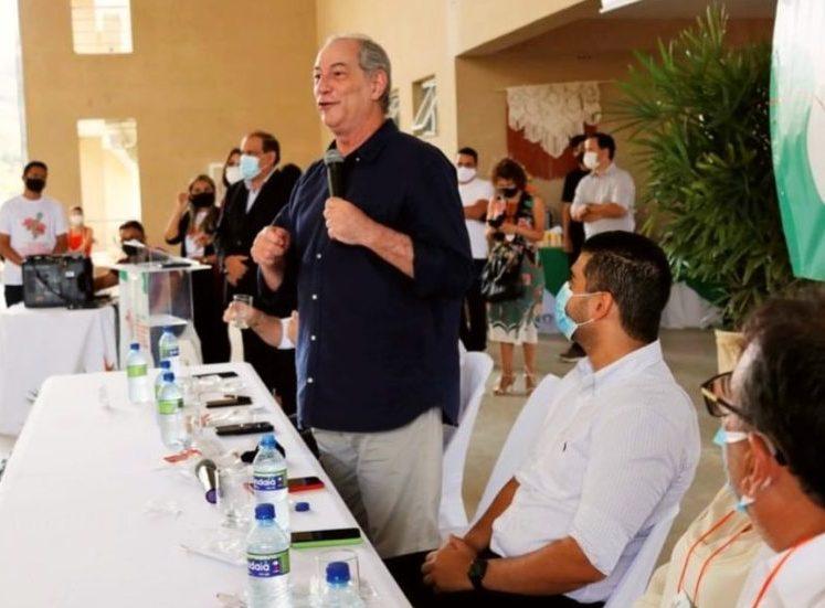 Ciro afirma que combate ao desemprego deve ser a prioridade dos municípios