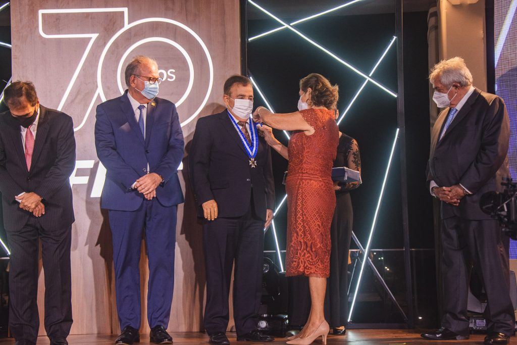 Claudio Targino E Zena Targino