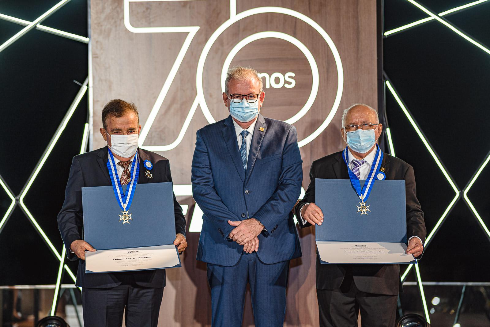 FIEC celebra seus 70 anos com a entrega da Medalha do Mérito Industrial