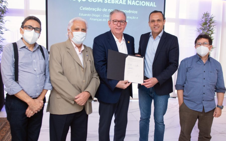 Sebrae Nacional e FIEC fecham parceria de R$ 15 milhões para investimentos no fortalecimento da indústria regional