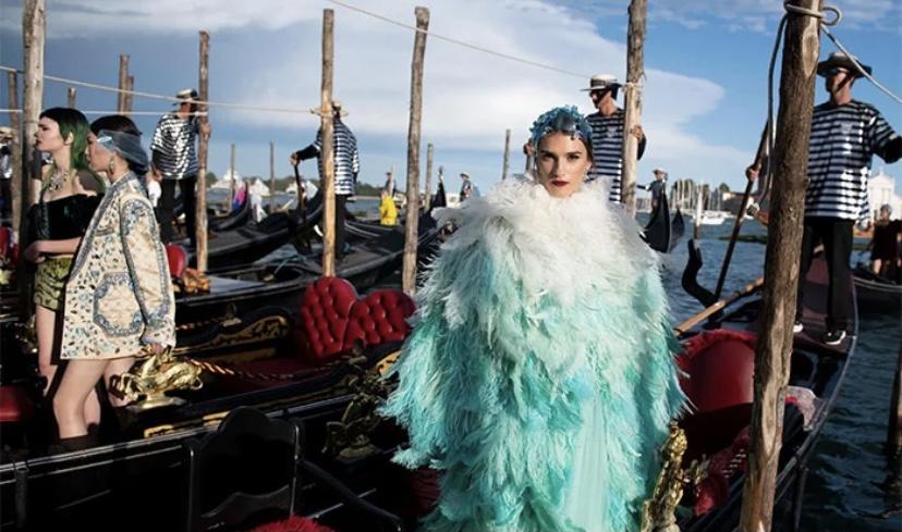 Dolce & Gabbana apresenta nova coleção durante  desfile em plena praça em Veneza
