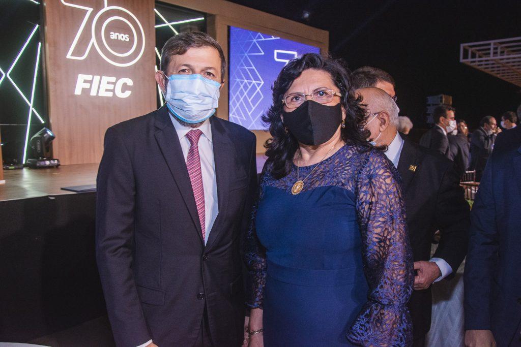 Elcio Batista E Nailde Pinheiro