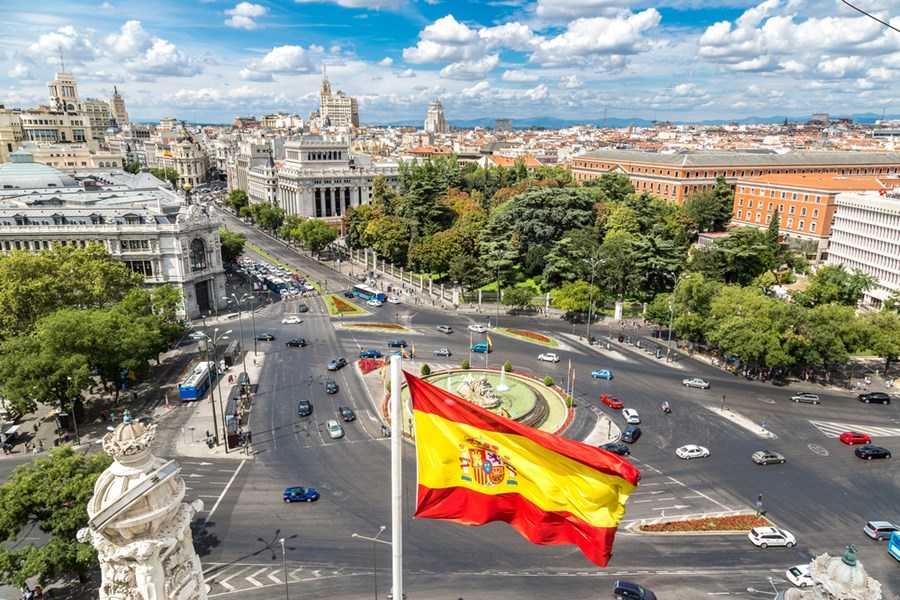 Espanha reabre suas fronteirasa para brasileiros vacinados