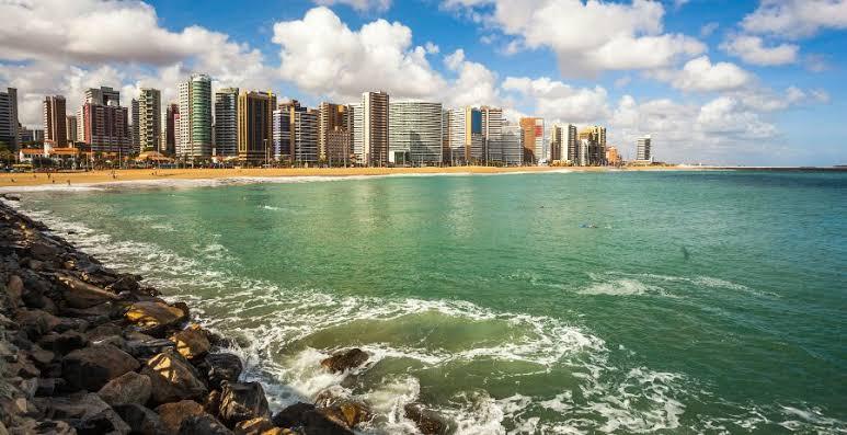 Retorno do turismo leva brasileiros a explorarem as paisagens do Nordeste. Fortaleza está entre elas