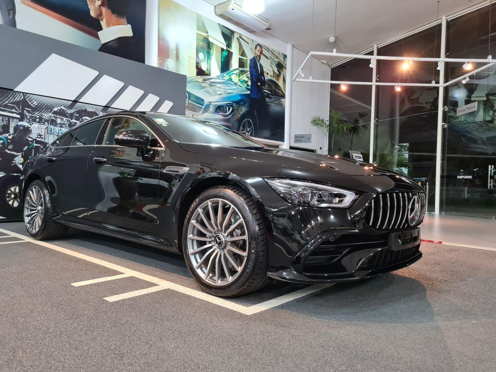 Happy-hour na Newsedan será repleto de super máquinas da Mercedes-Benz