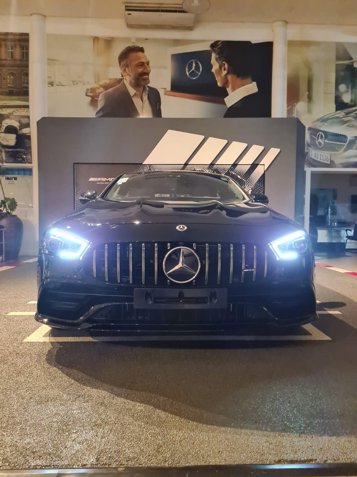 Mercedes-AMG GT 43: uma supermáquina disfarçada em carro