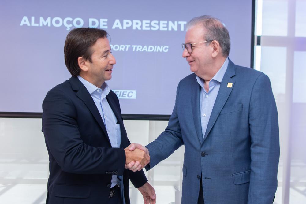 Ricardo Cavalcante pilota almoço na Casa da Indústria em torno do diretor da maior trading do País