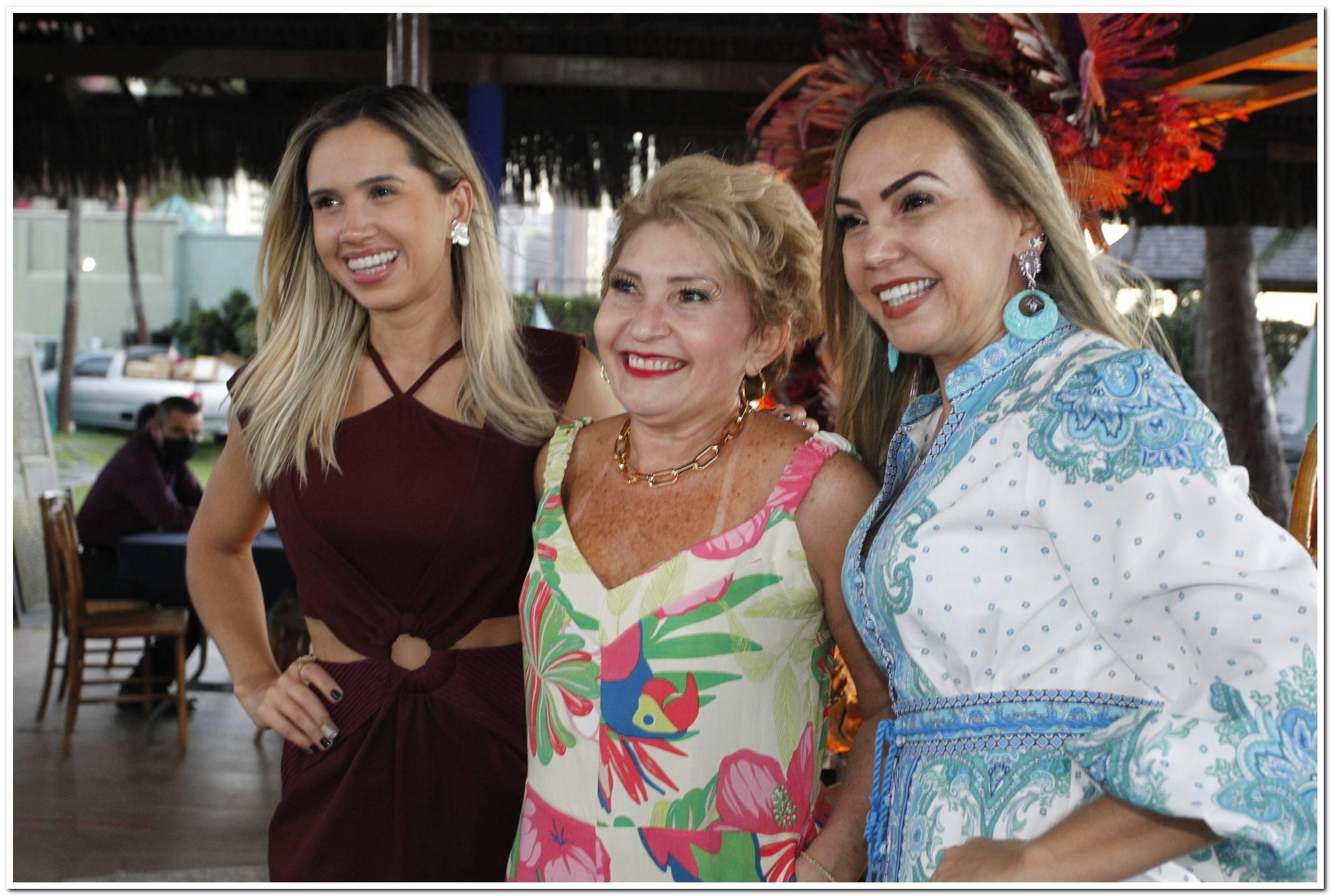Nayana Ataide, Salete Araujo E Adriana Ataide