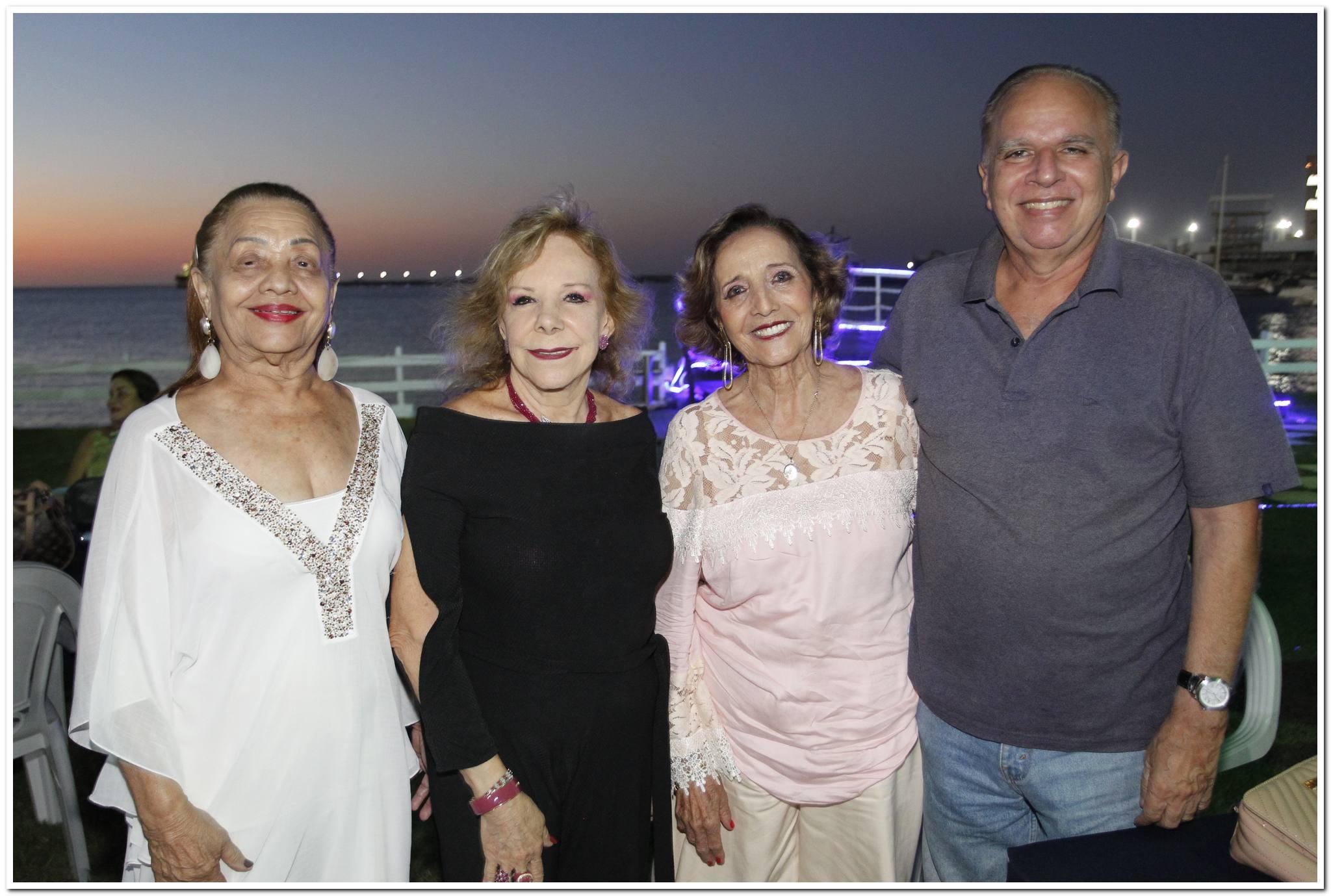 Perpetua Pinto, Moema Guilhon, Maria Jose E Livio Costa
