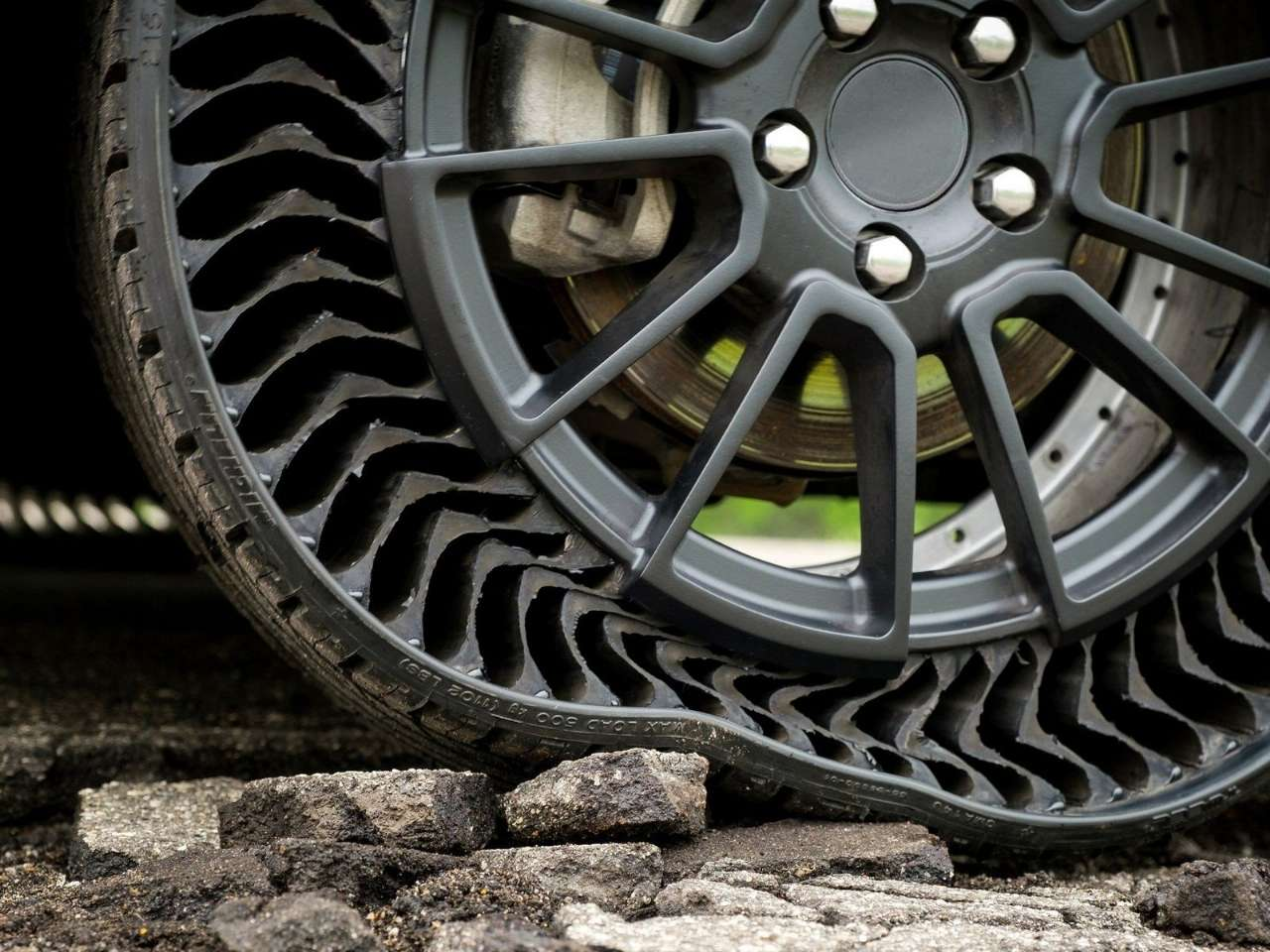 Você acredita em pneu que nunca fura?