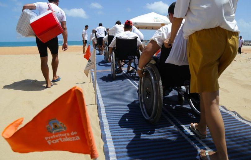 Prefeitura de Fortaleza retoma programa Praia Acessível nesta quarta-feira