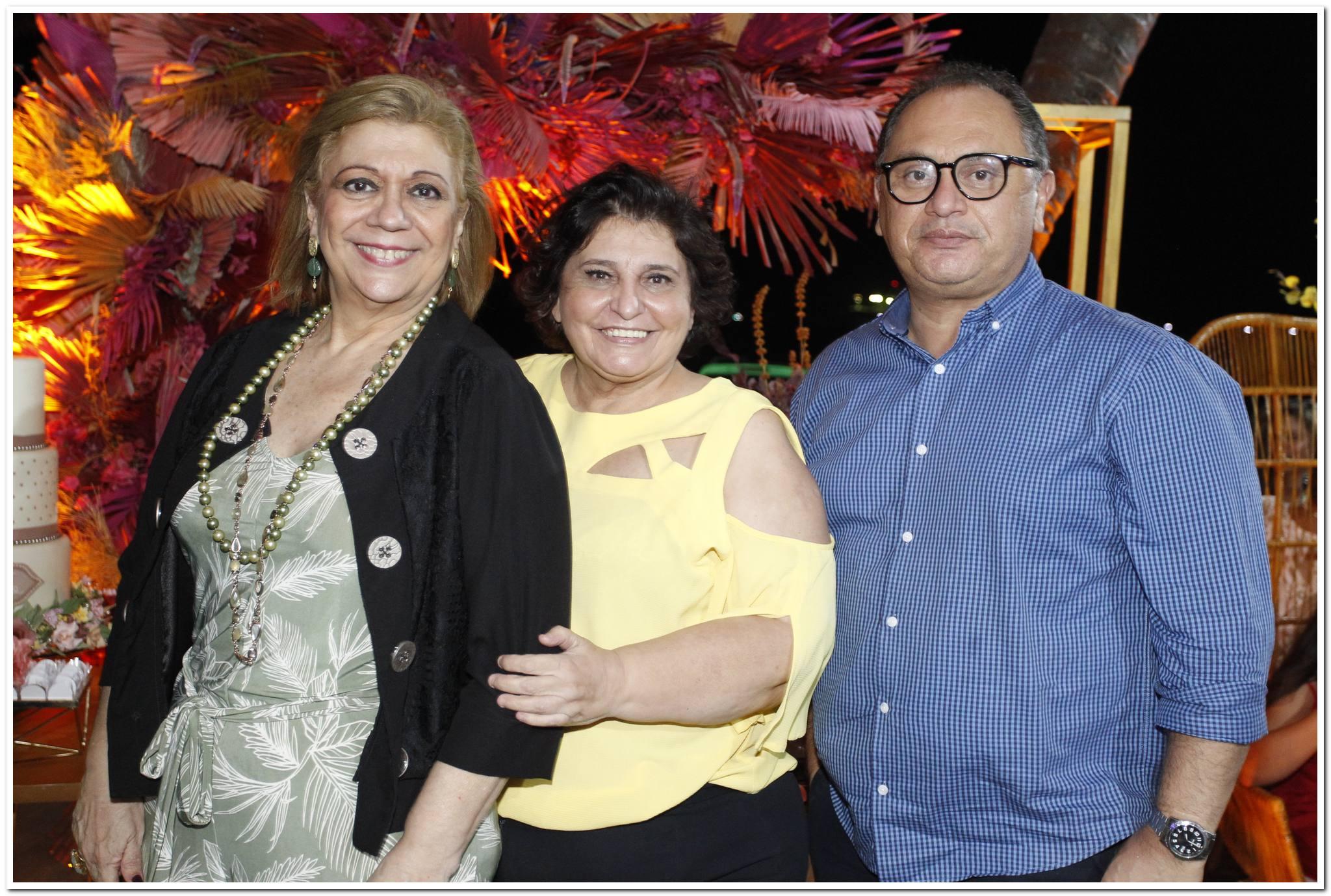 Priscila Cavalcanti, Socorro Trindade E Roberto Martins