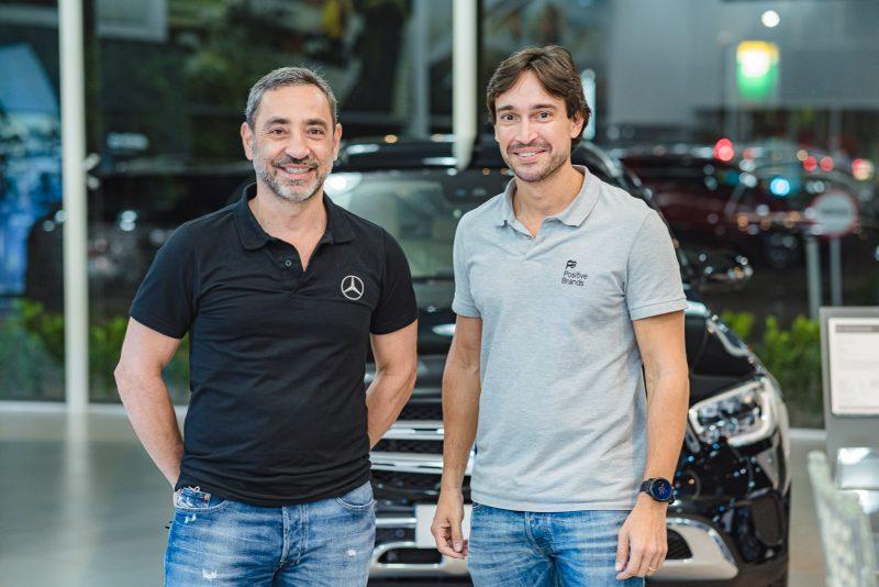 Desirable - Odmar Feitosa ataca de promoter e reúne sobrenomes de peso na Newsedan   Mercedes-Benz