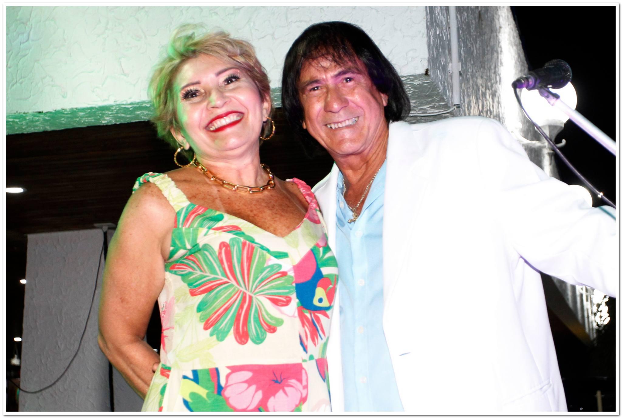 Salete Araujo E Roberto Carlos Cover