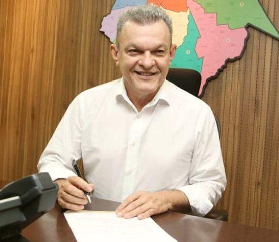 Sarto assina decreto que proíbe fogos de artifício barulhentos em Fortaleza
