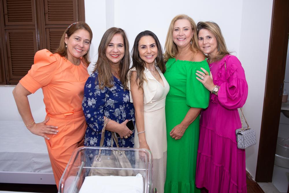 Silvana Fialho, Martinha Assunção, Adriana Queiroz, Andréa Delfino E Camille Cidrão