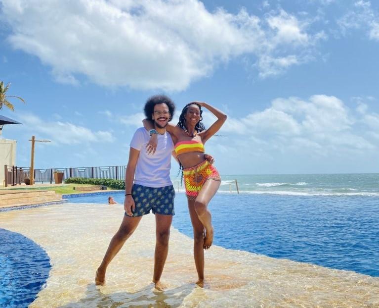 Camilla de Lucas e João Luiz se reencontram no Beach Park e curtem momentos de pura alegria