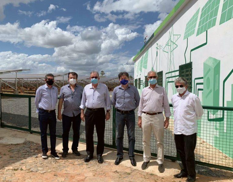 Presidente da FIEC e autoridades prestigiam inauguração de usina solar e projeto de reflorestamento em Marco