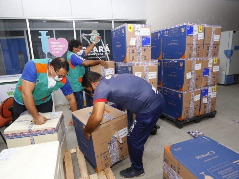 Governo do Ceará recebe mais de 228 mil novos imunizantes contra a Covid-19