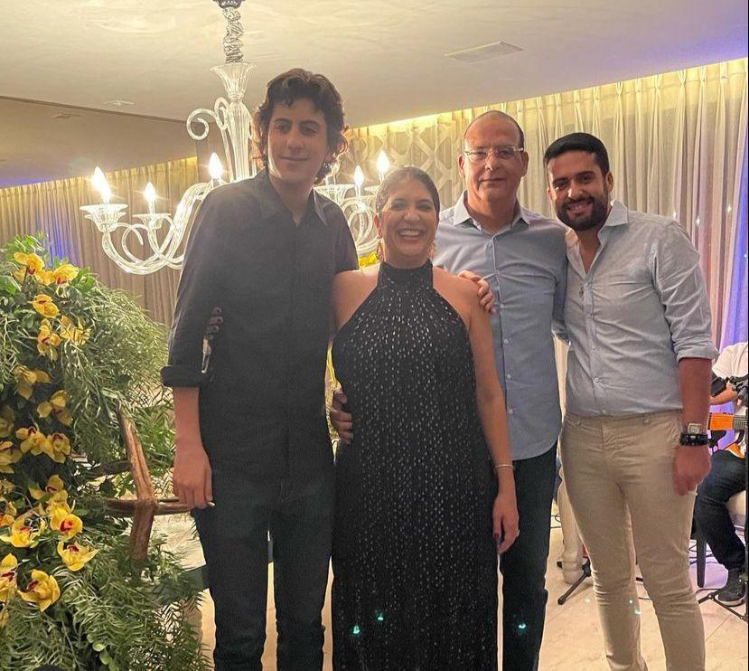 Elisa Oliveira recebe convidados especiais para celebrar a nova idade