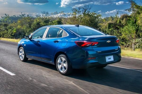 Conheça o sedan da GM classificado como o carro mais econômico do Brasil