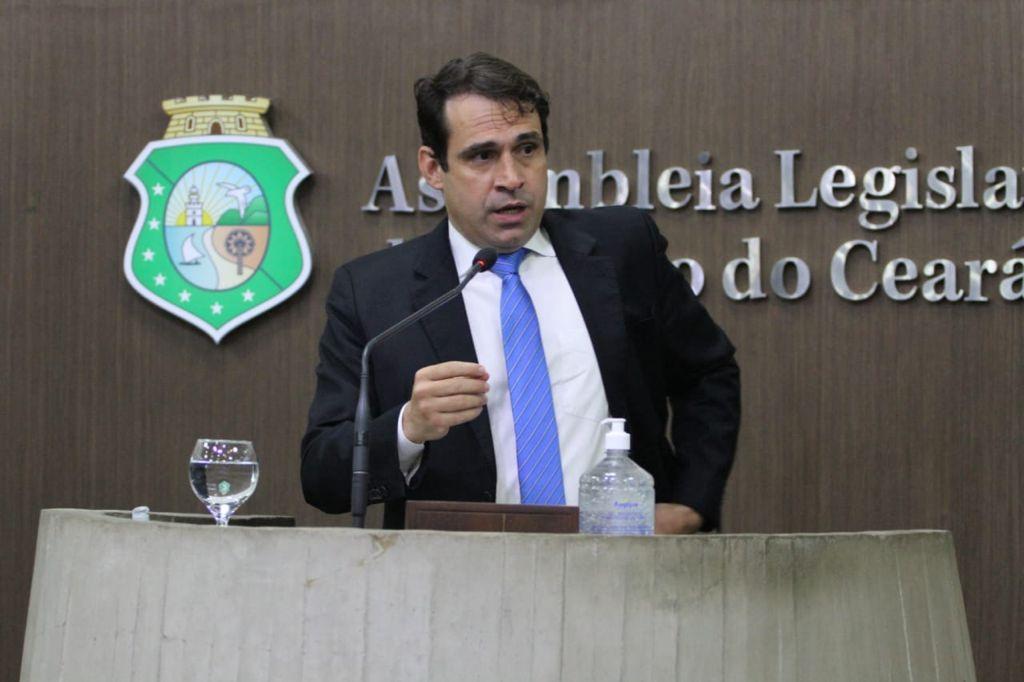 Por iniciativa do deputado Salmito, projeto que propõe instituir política estadual de negócios de impacto vai virar lei